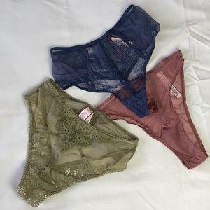 3 Victoria Secret underwear/ Size: XS